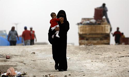 Gần 800 tù binh IS vượt ngục ở Syria - ảnh 1