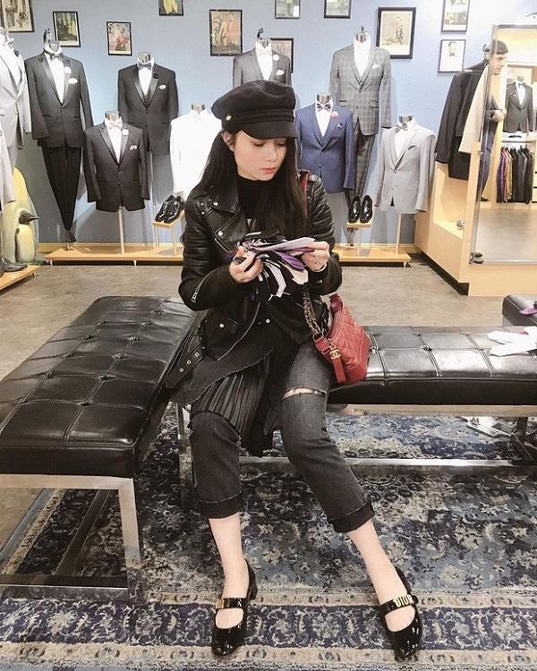 """Rid kid Việt """"náo loạn"""" mạng xã hội với màn shopping hết 2,3 tỷ đồng ở trời Tây là ai? - ảnh 1"""