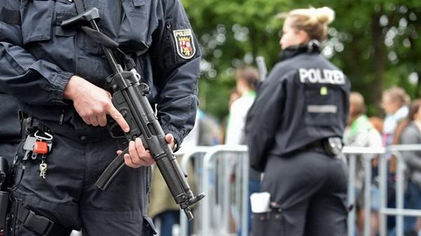 3 nghi phạm IS có kế hoạch đánh bom khủng bố bị cảnh sát Đức bắt giữ - ảnh 1