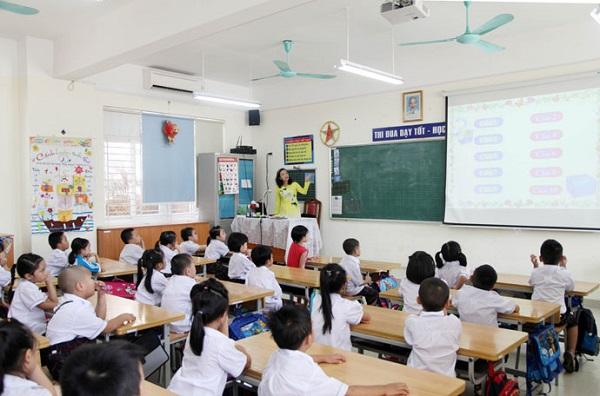 Trường chất lượng cao ở Hà Nội đề xuất tăng học phí: Tiêu chí nào xác định chất lượng cao khi luật Giáo dục không đề cập? - ảnh 1