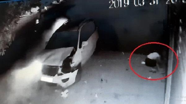Mất lái, ô tô 7 chỗ tông hàng loạt xe máy khiến 4 người thương vong - Ảnh 1