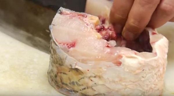 Món ngon mỗi ngày: Cá trắm kho riềng đậm đà ngon cơm - Ảnh 2