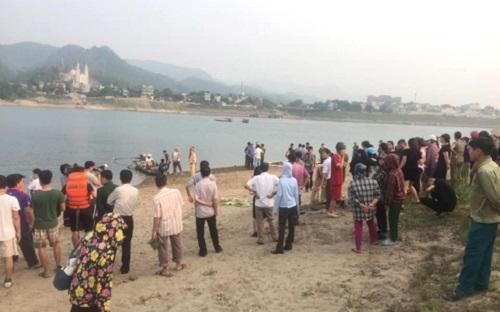 Hòa Bình: Đi chăn trâu, 3 em nhỏ tử vong thương tâm dưới đập nước - Ảnh 2