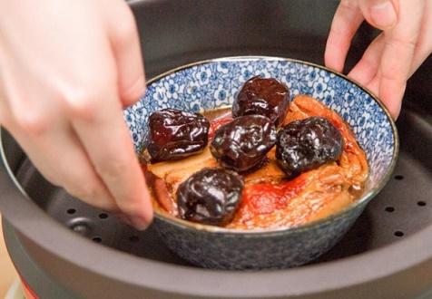 Món ngon mỗi ngày: Thịt kho theo kiểu này lạ mà ngon hết ý - Ảnh 4