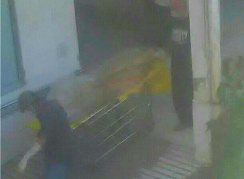 Phát hiện thi thể người đàn ông bốc mùi dưới hầm thang máy bệnh viện  - Ảnh 1