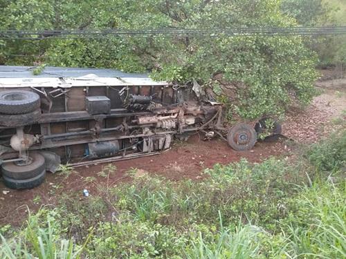 Hiện trường vụ tai nạn thảm khốc khiến 3 người phụ nữ tử nạn thương tâm - Ảnh 4