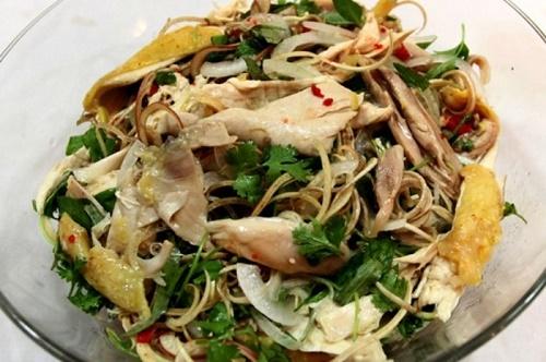 Món ngon mỗi ngày: Gỏi gà xé phay hấp dẫn cho bữa tối - Ảnh 3