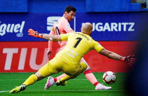 Messi lập cú đúp giúp Barca thoát trận thua hạ màn La Liga - Ảnh 2