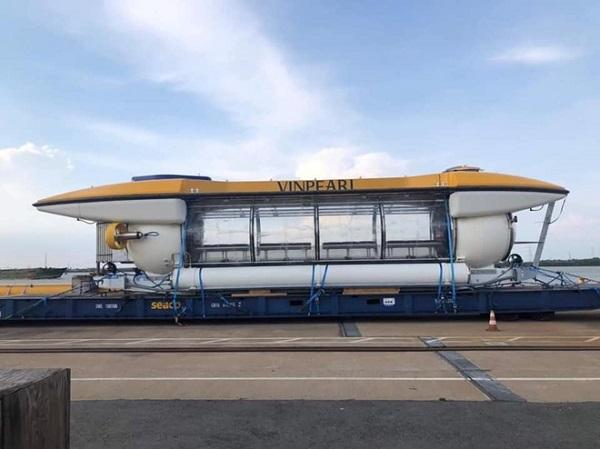 Tàu ngầm tỷ phú Phạm Nhật Vượng đặt mua cho Vinpearl bất ngờ xuất hiện tại Nha Trang - ảnh 1