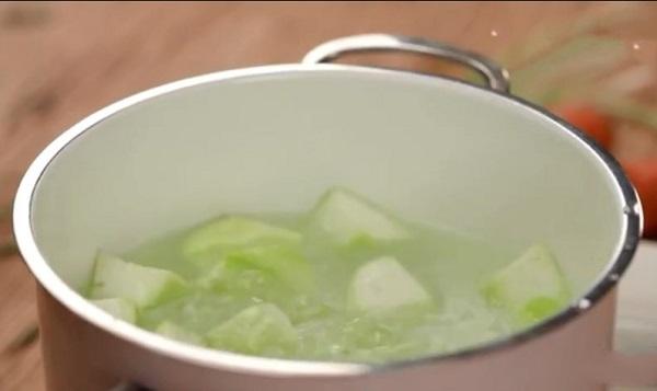 Chỉ 15 phút có ngay món ăn vừa chống lão hóa lại giúp thải độc và giảm cân hiệu quả - ảnh 1