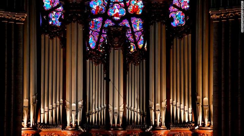 """Những """"bảo vật vô giá"""" bên trong Nhà thờ Đức Bà Paris  - Ảnh 2"""