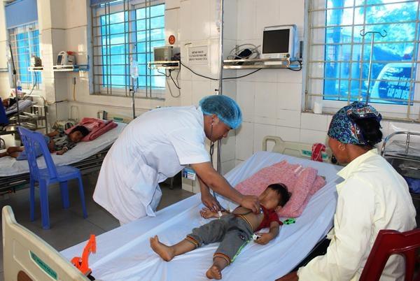 Thông tin mới nhất về sức khỏe các nạn nhân trong vụ bố đun nước lá ngón cho 3 con uống - Ảnh 2