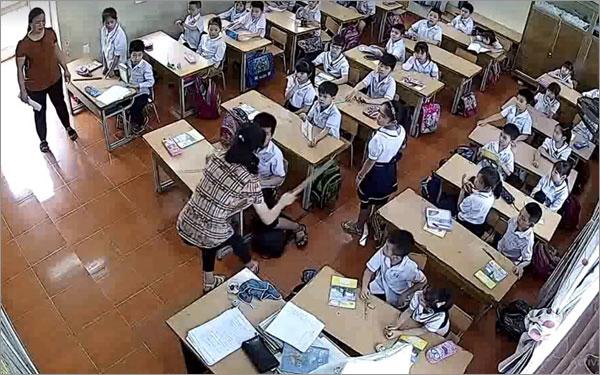 Lãnh đạo TP.Hải Phòng chỉ đạo xử lý nghiêm vụ nữ giáo viên tát, đánh tới tấp vào đầu học sinh - Ảnh 1