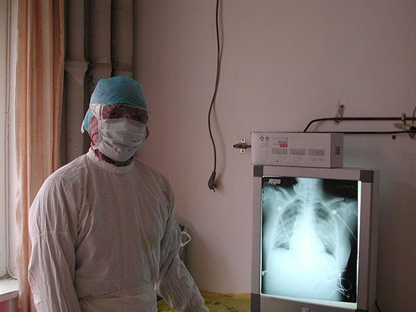 Chuyên gia hàng đầu Trung Quốc về SARS bị nhiễm virus Vũ Hán - ảnh 1