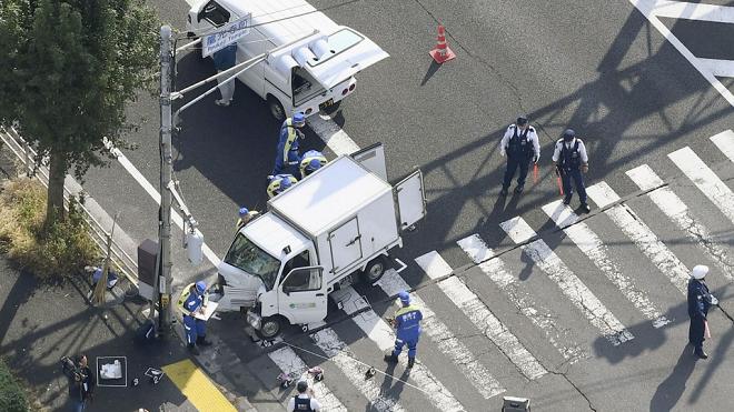 Ô tô tải lao vào nhóm trẻ mẫu giáo trên đường tại Nhật Bản, nhiều người bị thương - ảnh 1