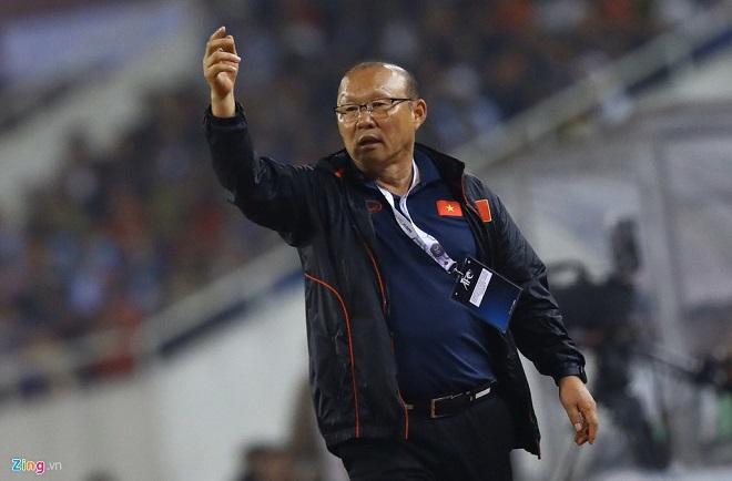 """Hàng loạt tờ báo Hàn Quốc nói về """"ma thuật"""" của HLV Park Hang-seo sau chiến thắng trước UAE - ảnh 1"""