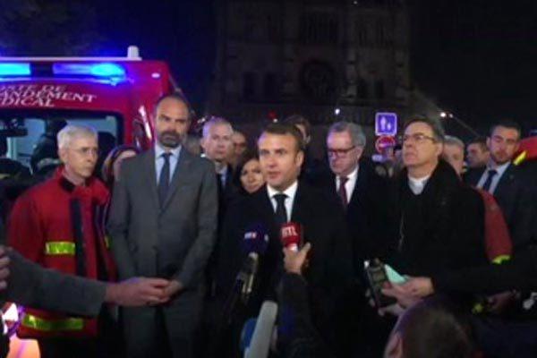 Vụ hỏa hoạn kinh hoàng ở Nhà thờ Đức Bà Paris: Tổng thống Pháp cam kết tái xây dựng ngay lập tức - Ảnh 1