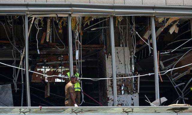 6 vụ nổ liên tiếp xé toạc bình yên tại Sri Lanka: Hiện trường tang thương đầy máu và nước mắt - Ảnh 5