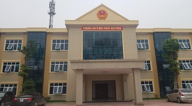 Trụ sở UBND huyện Phú Xuyên, Hà Nội nghi bị chôn bùa trấn yểm? - Ảnh 1