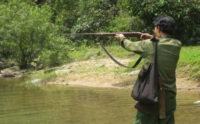 Đi săn, bắn nhầm người làng vì tưởng là thú rừng - Ảnh 1