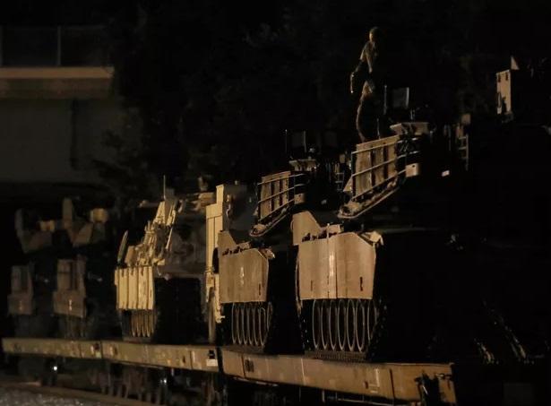 Mỹ thông qua thương vụ bán lô xe tăng, tên lửa trị giá hơn 2 tỷ USD cho Đài Loan - ảnh 1