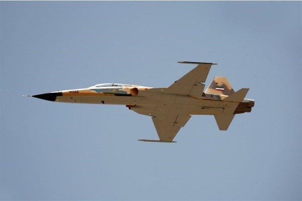 """Tin tức quân sự mới nóng nhất ngày 25/5: Xe bọc thép Mỹ chặn đường quân cảnh Nga ở """"chảo lửa"""" Syria - ảnh 1"""