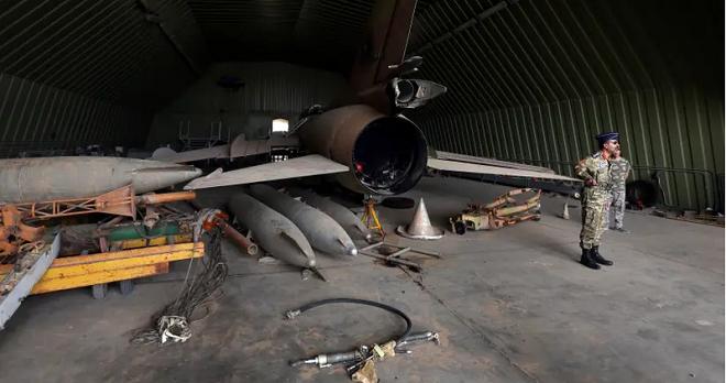 Tin tức quân sự mới nóng nhất ngày 30/5: Su-27 Nga chặn oanh tạc cơ B-1B lancer của Mỹ - ảnh 1