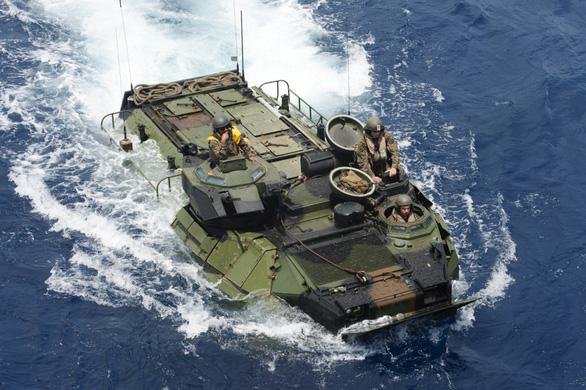 Thiết giáp Mỹ chìm trên biển, 9 người tử nạn - ảnh 1