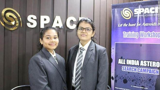 Ngả mũ thán phục hai nữ sinh lớp 10 giúp NASA phát hiện ra tiểu hành tinh đang di chuyển hướng về Trái Đất - ảnh 1