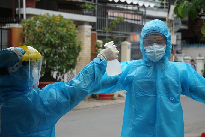 Hải Phòng hỗ trợ 5 tỉ đồng, chi viện 33 y bác sĩ tới Đà Nẵng - ảnh 1