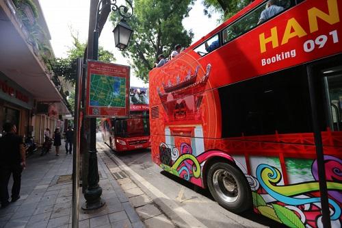 Hà Nội chính thức khai trương tuyến buýt 2 tầng mui trần tại phố cổ Hà Nội - ảnh 1