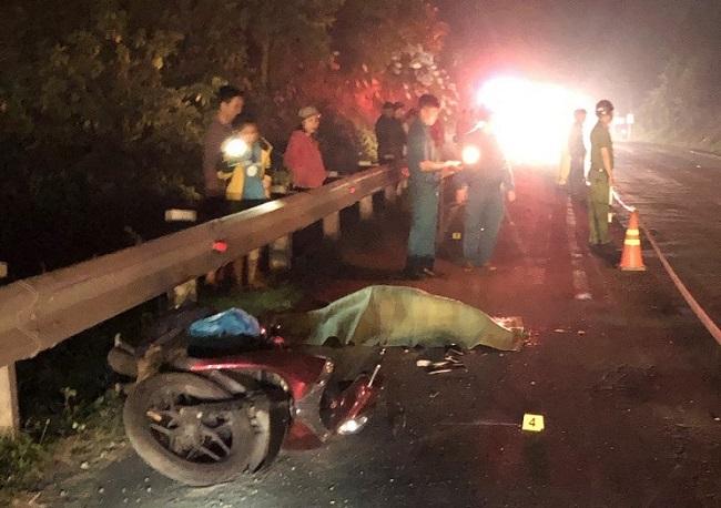 Tin tức tai nạn giao thông mới nhất hôm nay 23/11/2019: Người đàn ông bị xe container tông tử vong - ảnh 1