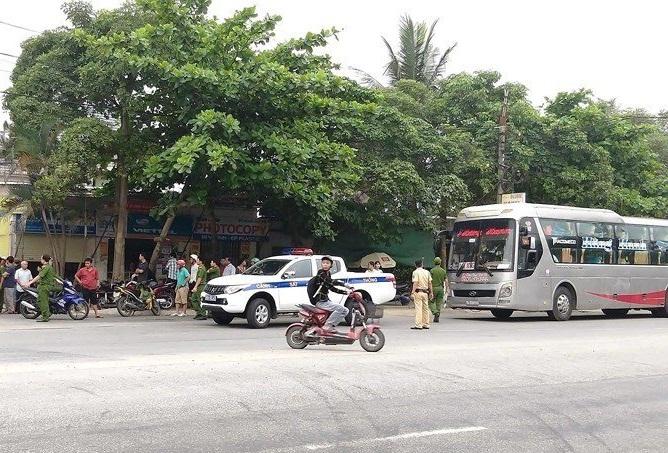 Hà Tĩnh: Nổ súng trong vụ hỗn chiến trên quốc lộ, người dân bỏ chạy tán loạn - ảnh 1