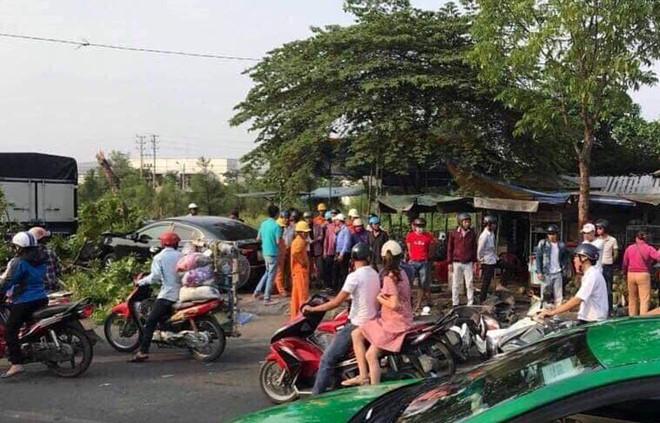 Tin tai nạn giao thông mới nhất ngày 20/4/2019: Cặp vợ chồng tử vong thương tâm dưới bánh xe khách - Ảnh 4