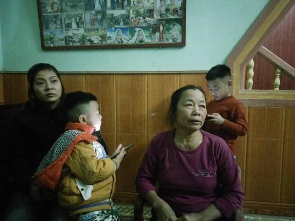 """Vợ tài xế container Lê Ngọc Hoàng: """"Bao giờ chồng tôi mới được về nhà với bố mẹ, vợ con?"""" - Ảnh 1"""