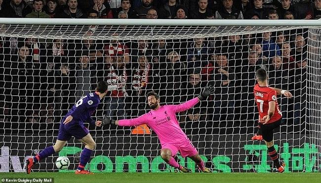 Liverpool kết liễu Southampton, Salah lập kỷ lục vô tiền khoáng hậu - Ảnh 1