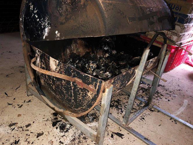 Vụ chồng giết vợ, đốt xác phi tang ở Lâm Đồng: Nghi có đồng phạm giúp đỡ - Ảnh 2