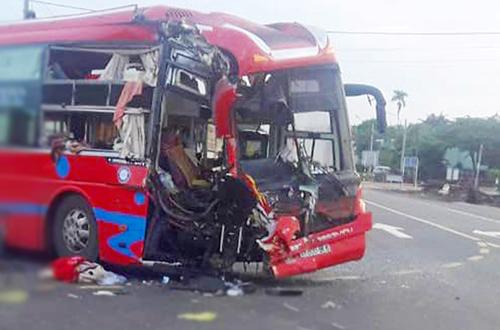 Tin tức tai nạn giao thông mới nóng nhất hôm nay 25/5/2019: Tai nạn xe khách, 7 người nhập viện - ảnh 1