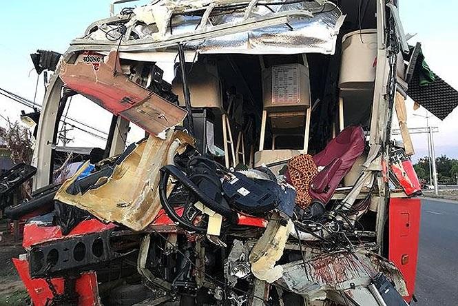 Vụ va chạm 2 xe khách làm hơn 40 người thương vong: Ô tô tăng tốc trước khi xảy ra tai nạn - ảnh 1