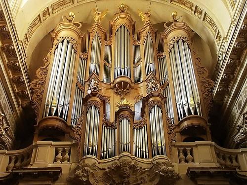 Giải cứu thành công Thánh tích quan trọng nhất trong Nhà thờ Đức Bà Paris - Ảnh 3