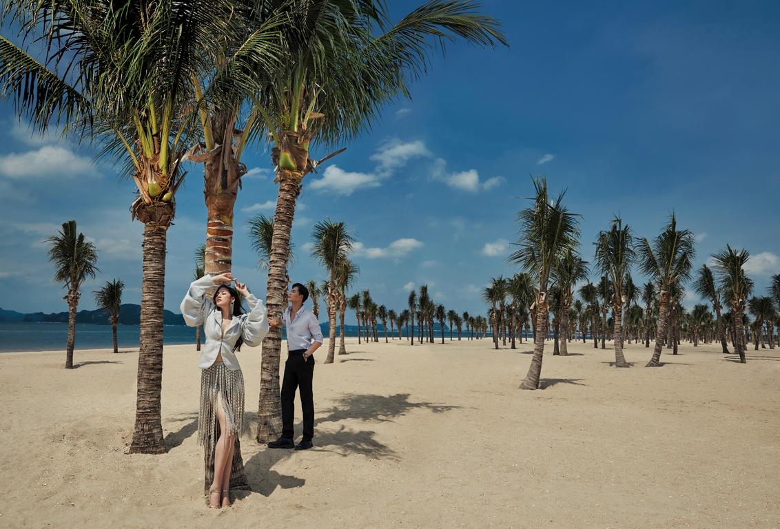 Cùng Dương Tú Anh lạc bước giữa cung đường phù hoa bên bờ vịnh Hạ Long - ảnh 1