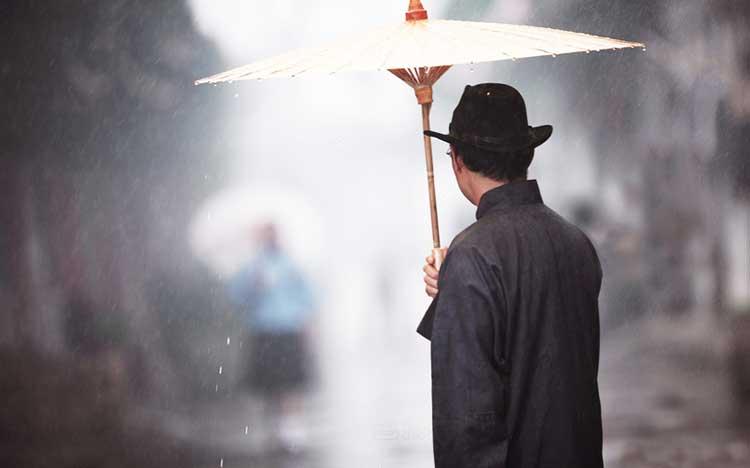 Cái ô của vị phú thương và bài học về sự bình tĩnh - ảnh 1