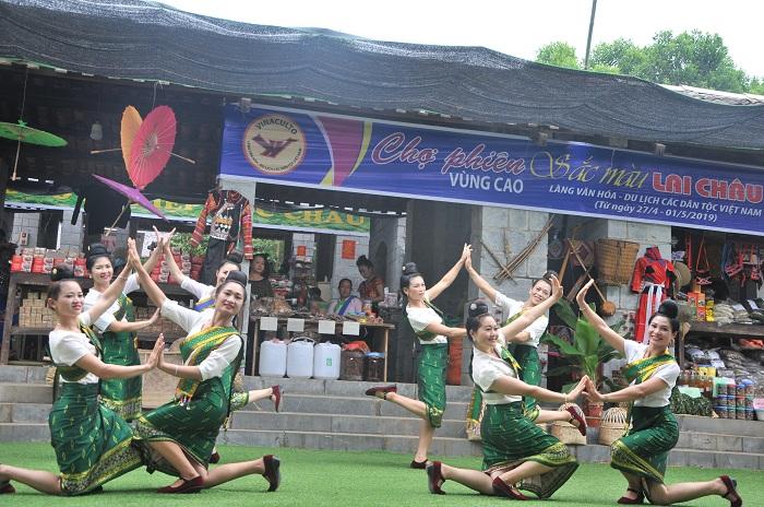 Làng Văn hóa Du lịch các dân tộc Việt Nam: Điểm đến hấp dẫn dịp nghỉ lễ 30/4 và 01/5 - Ảnh 6