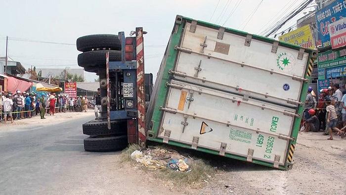 Vụ lật xe container khiến 3 người chết: Tài xế dương tính với ma túy - Ảnh 1
