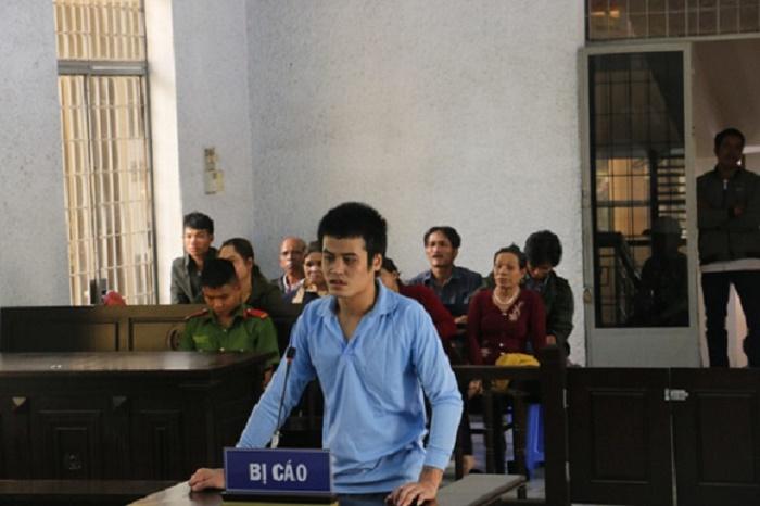 Đắk Lắk: Nam thanh niên dùng liềm giết người lĩnh án 8 năm tù - Ảnh 1