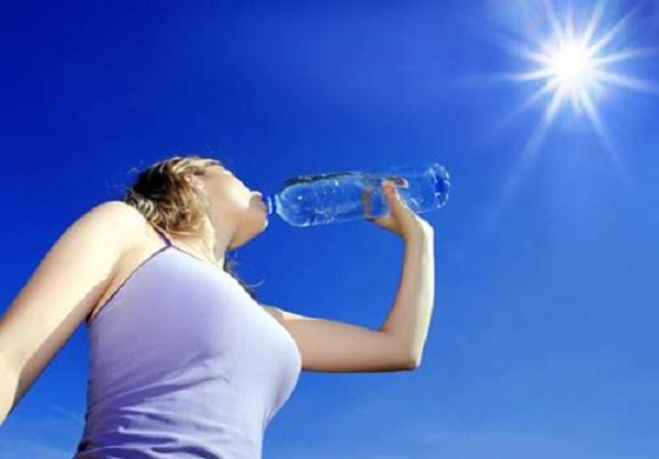 Cách bảo vệ và chăm sóc da trong những ngày nắng nóng đỉnh điểm - Ảnh 3