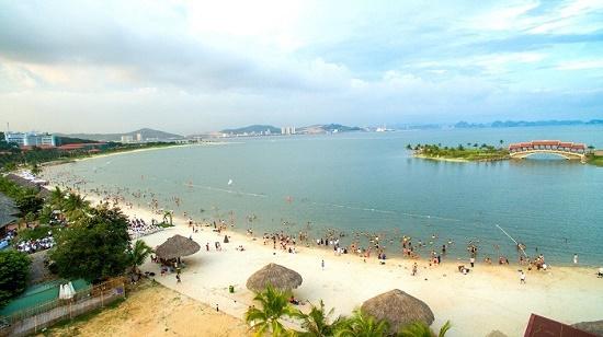 Xót xa 2 học sinh đuối nước tử vong khi đi tắm biển tại Hạ Long - ảnh 1