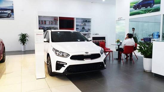 Khi nào người mua ô tô mới được giảm 50% lệ phí trước bạ? - ảnh 1