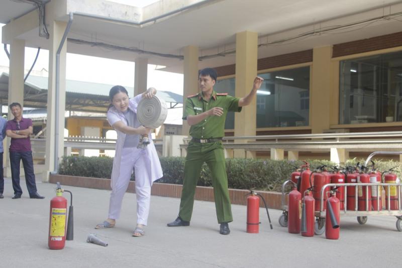 Bệnh viện Bãi Cháy chú trọng, tăng cường công tác phòng cháy, chữa cháy  - ảnh 1