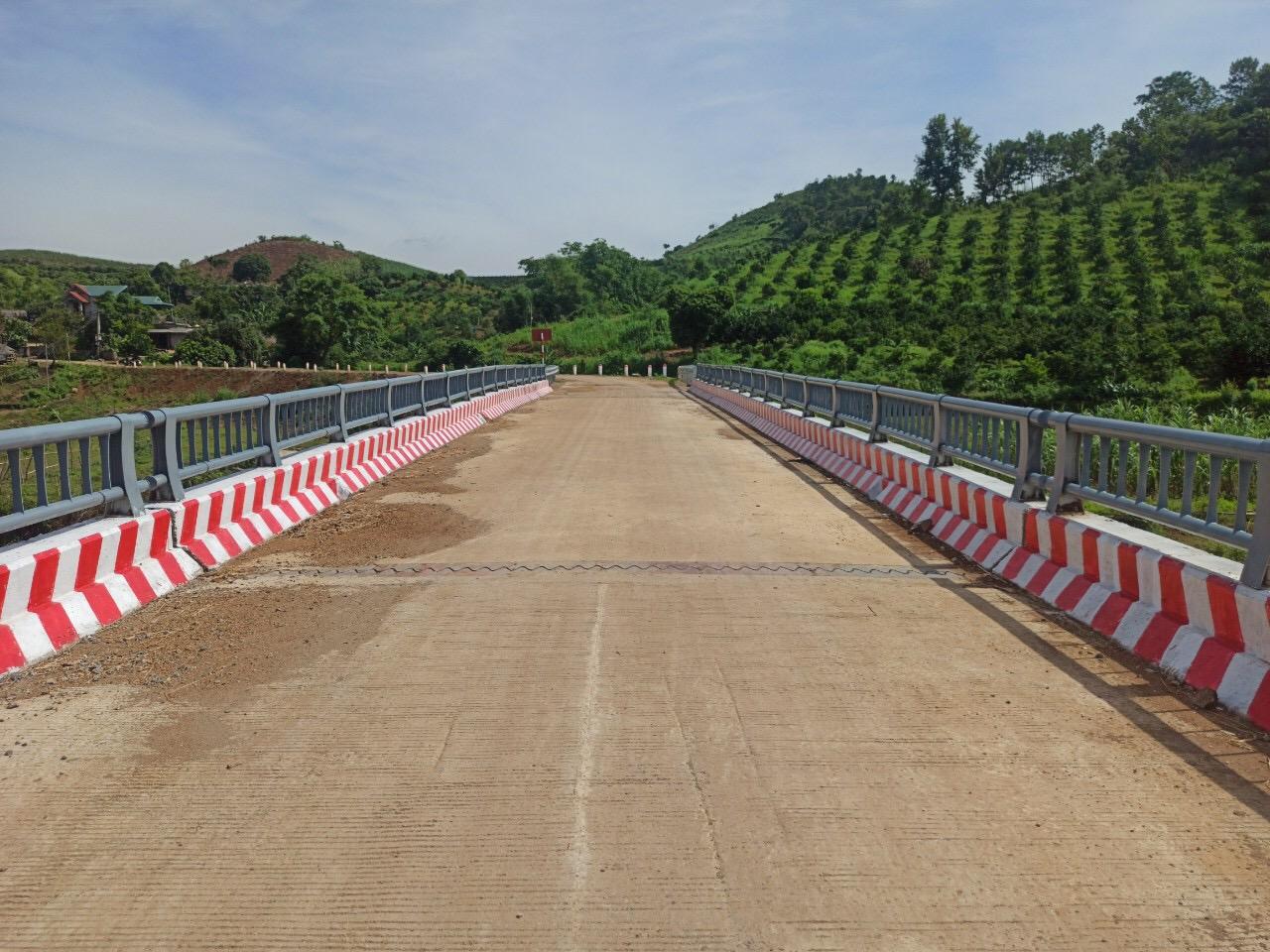 Cao Phong -Hòa Bình: Đầu tư xây dựng cơ sở hạ tầng, phát triển giao thông nông thôn tạo động lực thúc đẩy phát triển kinh tế  - ảnh 1